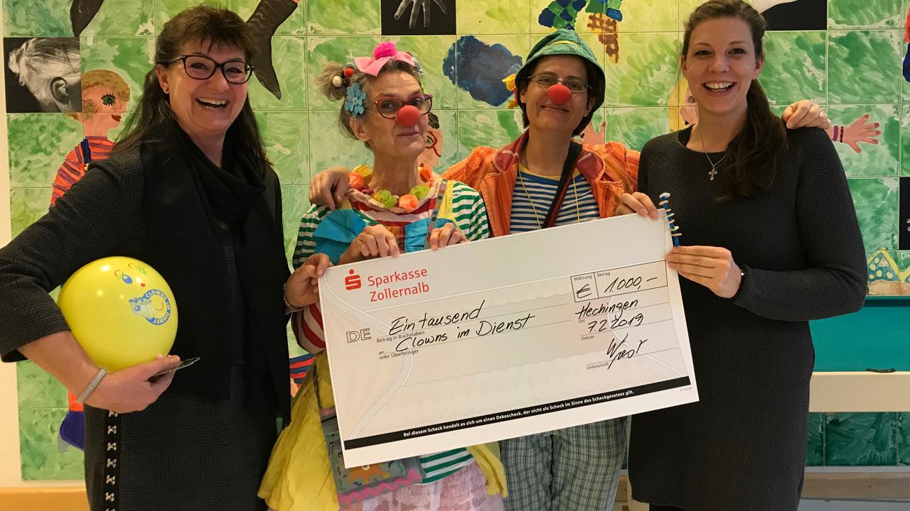 Clowns im Dienst bekommen Spende 2019
